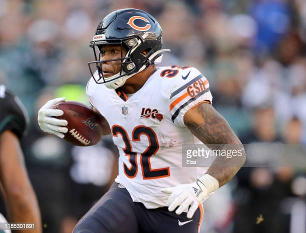 David Montgomery of the Chicago Bears carries the ball in the fourth quarter against the Philadelphia Eagles at Lincoln Financial Field on November...