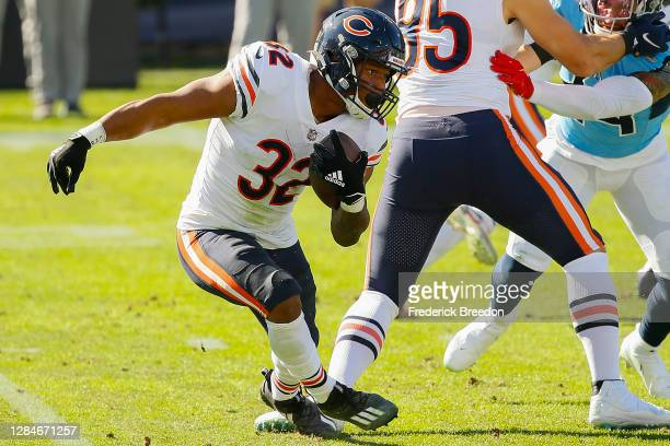David Montgomery of the Chicago Bears plays against the Tennessee Titans at Nissan Stadium on November 08, 2020 in Nashville, Tennessee.