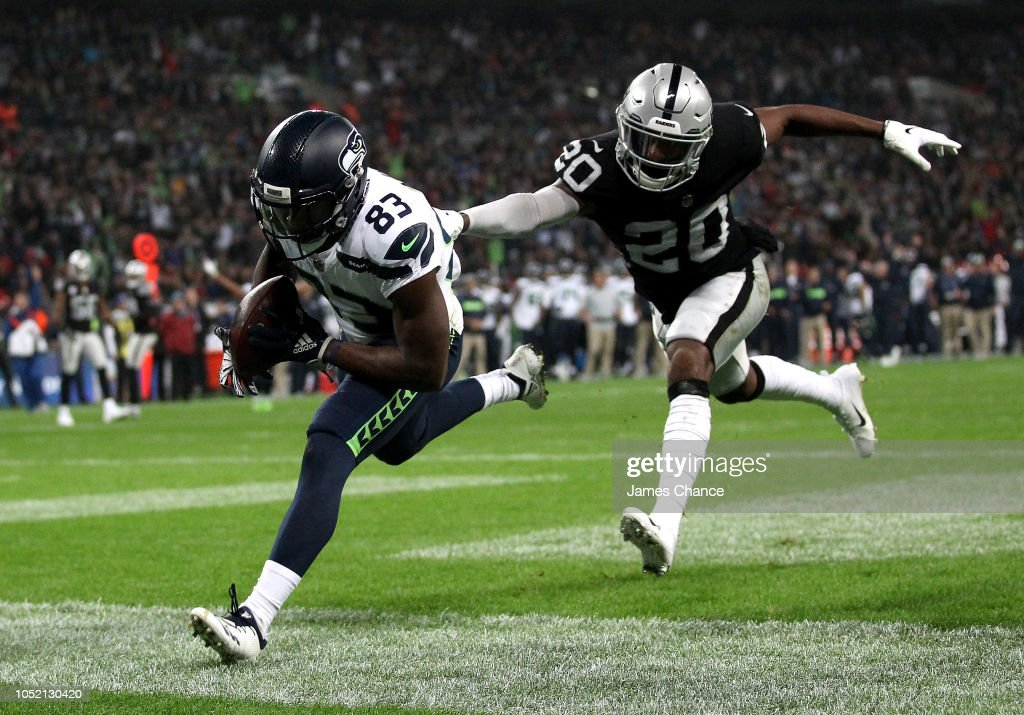 Seattle Seahawks v Oakland Raiders : News Photo