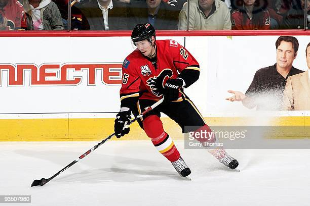 David Moss of the Calgary Flames skates against the Chicago Blackhawks on November 19, 2009 at Pengrowth Saddledome in Calgary, Alberta, Canada. The...