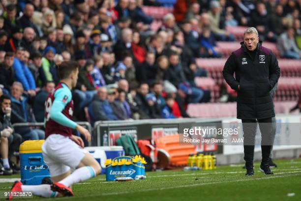 David Moyes manager / head coach of West Ham United shouts at Antonio Martinez of West Ham United during the The Emirates FA Cup Fourth Round match...