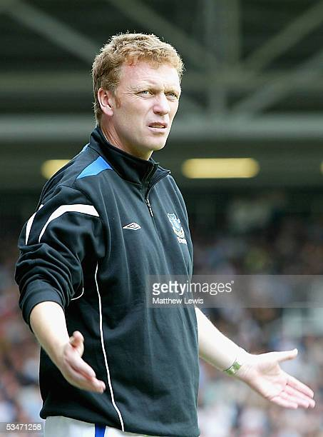 David Moyes manager of Everton looks on during the FA Barclays Premiership match between Fulham and Everton at Craven Cottage on August 27 2005 in...