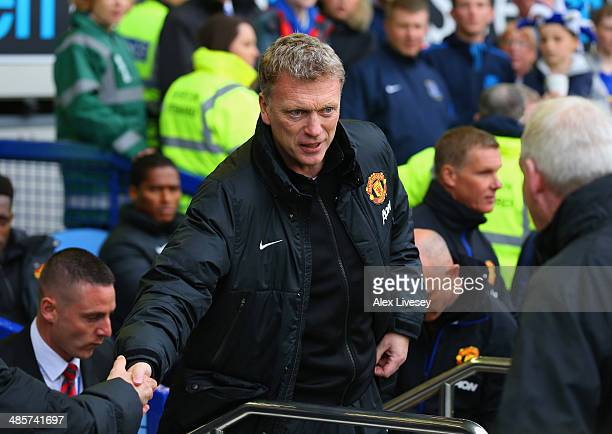 David Moyes manager of Manchester United shakes hands during the Barclays Premier League match between Everton and Manchester United at Goodison Park...