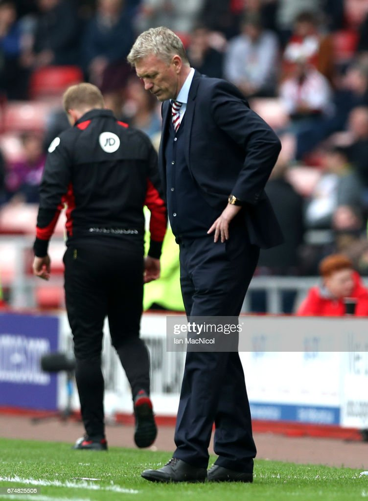 David Moyes, Manager of Sunderland looks dejected during the Premier League match between Sunderland and AFC Bournemouth at the Stadium of Light on April 29, 2017 in Sunderland, England.