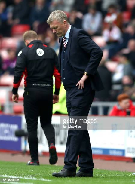 David Moyes, Manager of Sunderland looks dejected during the Premier League match between Sunderland and AFC Bournemouth at the Stadium of Light on...