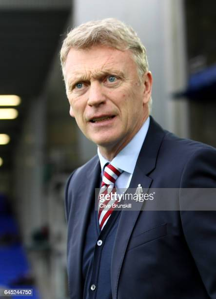 David Moyes Manager of Sunderland looks on prior to the Premier League match between Everton and Sunderland at Goodison Park on February 25 2017 in...
