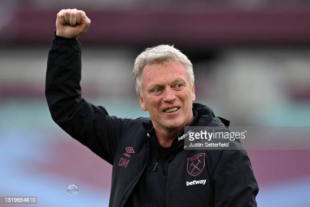 David Moyes, Manager of West Ham United celebrates after the Premier League match between West Ham United and Southampton at London Stadium on May...