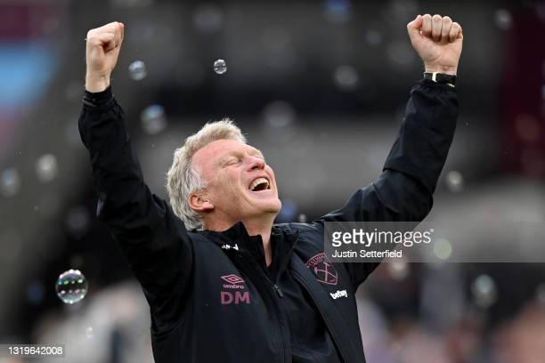David Moyes, Manager of West Ham United celebrates following the Premier League match between West Ham United and Southampton at London Stadium on...