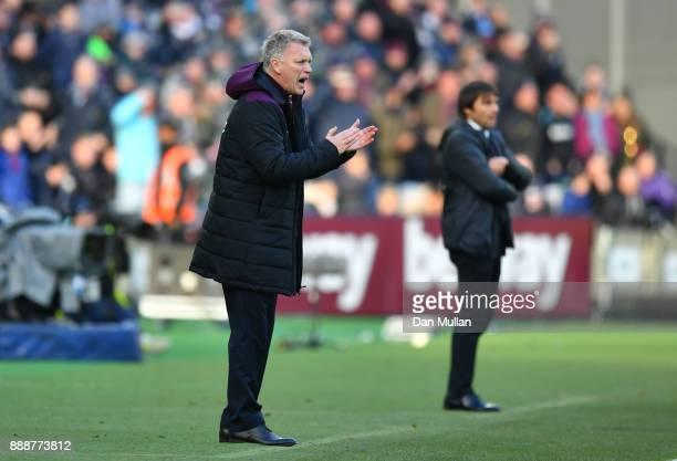 David Moyes Manager of West Ham United gives his team instructions during the Premier League match between West Ham United and Chelsea at London...