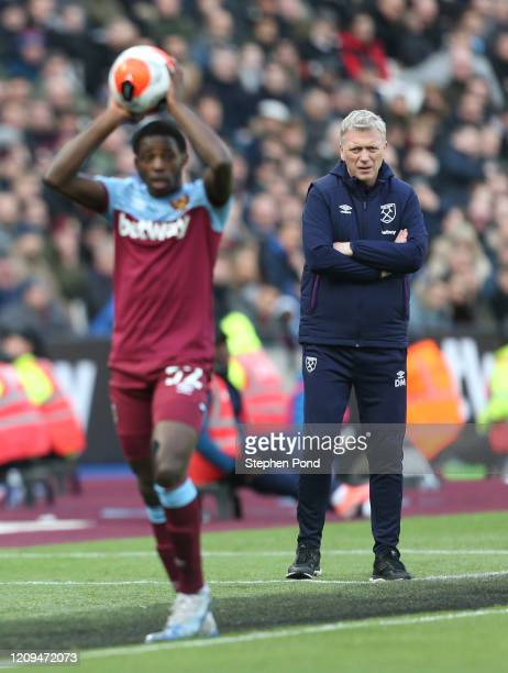 David Moyes Manager of West Ham United looks on during the Premier League match between West Ham United and Southampton FC at London Stadium on...