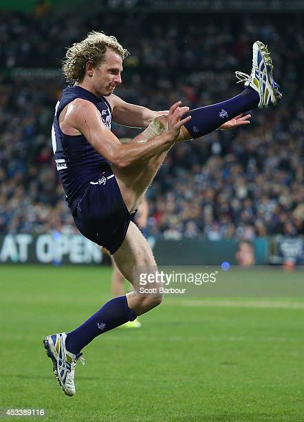 David Mundy of the Dockers misses the final shot at goal during the round 20 AFL match between the Geelong Cats and the Fremantle Dockers at Skilled...