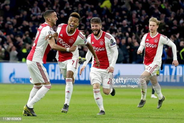 David Neres of Ajax celebrates 11 with Hakim Ziyech of Ajax Lasse Schone of Ajax Frenkie de Jong of Ajax during the UEFA Champions League match...