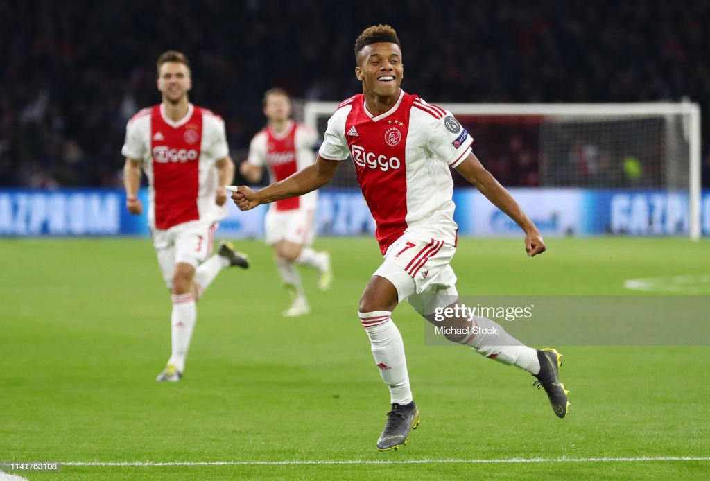 Ajax v Juventus - UEFA Champions League Quarter Final: First Leg : News Photo
