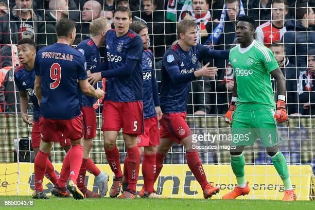 David Neres of Ajax Klaas Jan Huntelaar of Ajax Donny van de Beek of Ajax Maximilian Wober of Ajax Lasse Schone of Ajax Matthijs de Ligt of Ajax...