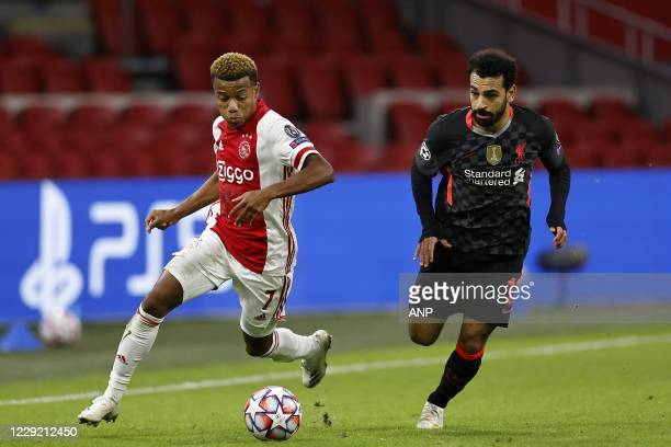 AMSTERDAM David Neres of Ajax Mo Salah or Liverpool FC during the UEFA Champions League match in group D between Ajax Amsterdam and Liverpool FC at...