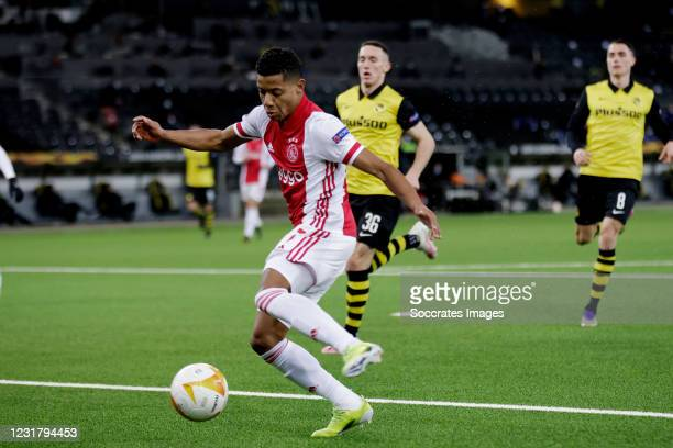 David Neres of Ajax scores the first goal to make it 0-1 during the UEFA Europa League match between BSC Young Boys v Ajax at the Stade de Suisse on...