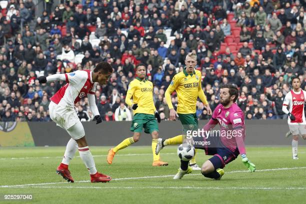 David Neres of Ajax Tyronne Ebuehi of ADO Den Haag Lex Immers of ADO Den Haag goalkeeper Robert Zwinkels of ADO Den Haag during the Dutch Eredivisie...