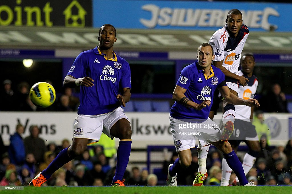 Everton v Bolton Wanderers - Premier League