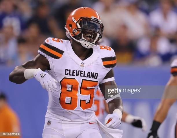 David Njoku of the Cleveland Browns celebrates his touchdown in the second quarter against the New York Giants during their preseason game on August...