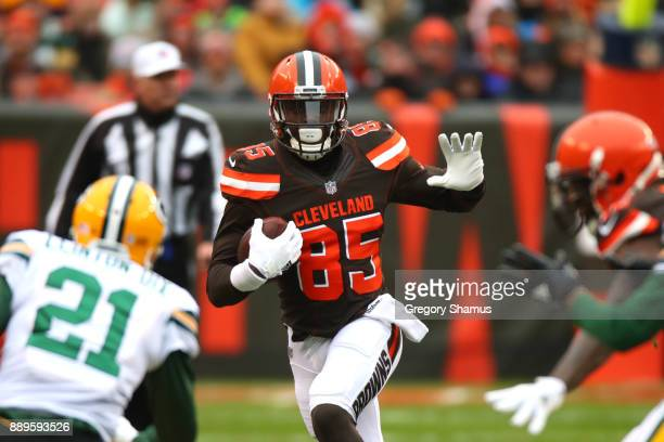 David Njoku of the Cleveland Browns runs the ball in the second quarter against the Green Bay Packers at FirstEnergy Stadium on December 10 2017 in...