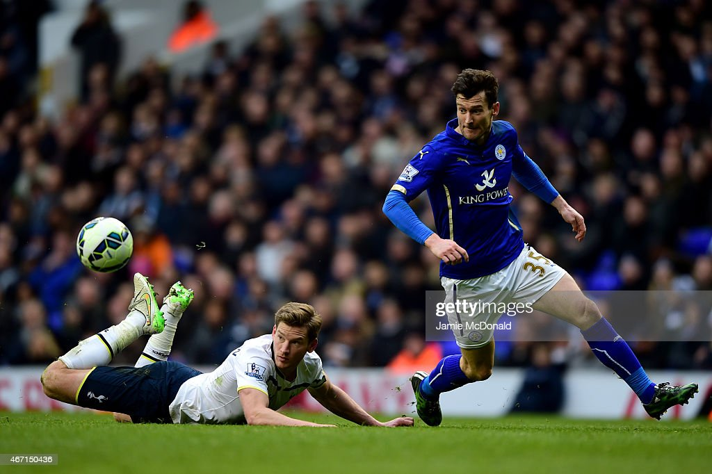 David Nugent of Leicester City battles for the ball with Jan Vertonghen of Spurs during the Barclays Premier League match between Tottenham Hotspur and Leicester City at White Hart Lane on March 21, 2015 in London, England.