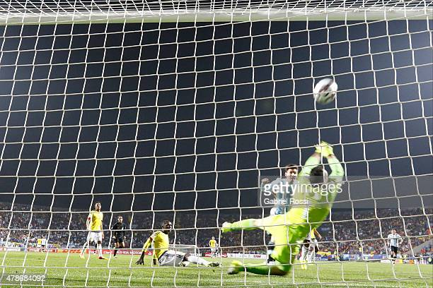 David Ospina of Colombia makes a save during the 2015 Copa America Chile quarter final match between Argentina and Colombia at Sausalito Stadium on...