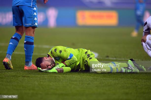 David Ospina of Napoli reacts as he holds his head injured during the Italian PS5 Supercup match between Juventus and SSC Napoli at Mapei Stadium -...