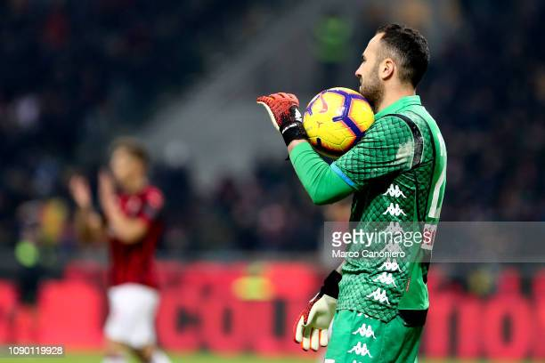 David Ospina of Ssc Napoli in action during the Serie A football match between Ac Milan and Ssc Napoli The match end in a tie 00