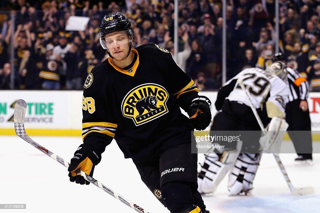 Pittsburgh Penguins v Boston Bruins : News Photo