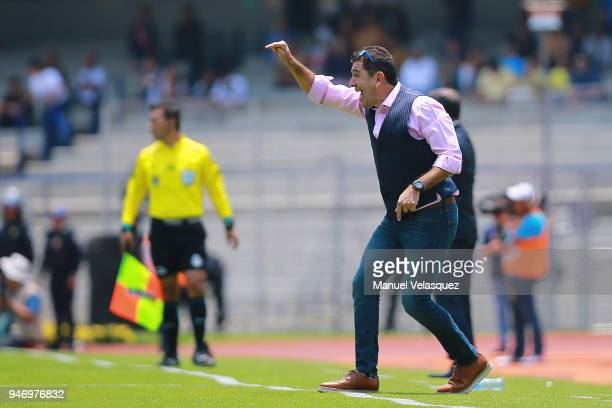 David Patiño coach of Pumas gestures during the 15th round match between Pumas UNAM and Puebla as part of the Torneo Clausura 2018 Liga MX at...