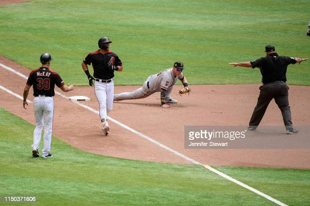 David Peralta of the Arizona Diamondbacks safely singles in the fourth inning against Tyler Austin of the San Francisco Giants at Chase Field on May...