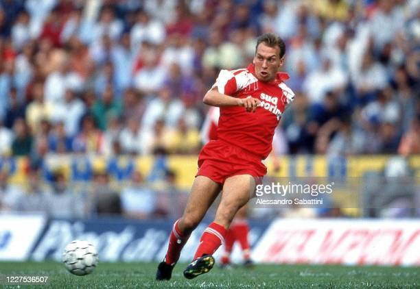 David Platt of Bari in action during the Serie A 1991-92, Italy.