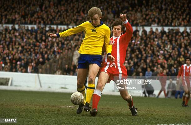 David Price of Arsenal robs a Leyton Orient player of the ball during the FA Cup SemiFinal Mandatory Credit Allsport UK /Allsport