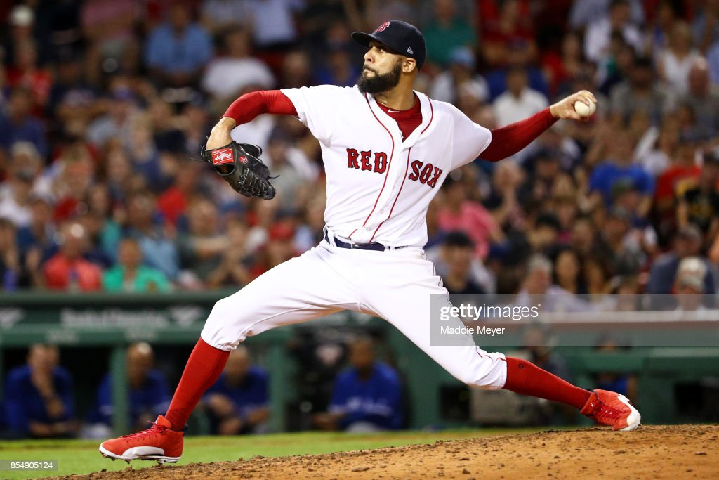 David Price #24 of the Boston Red Sox pitches against the Toronto Blue Jays during the seventh inning at Fenway Park on September 27, 2017 in Boston, Massachusetts.
