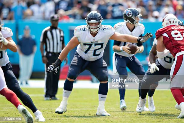 David Quessenberry of the Tennessee Titans drops back to block during the game against the Arizona Cardinals at Nissan Stadium on September 12, 2021...