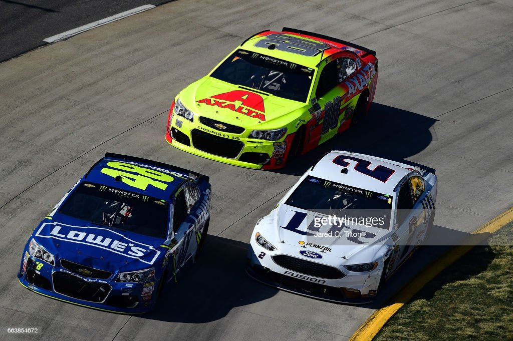 Monster Energy NASCAR Cup Series STP 500 : News Photo