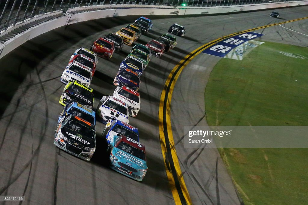 Monster Energy NASCAR Cup Series 59th Annual Coke Zero 400 Powered By Coca-Cola : Nachrichtenfoto
