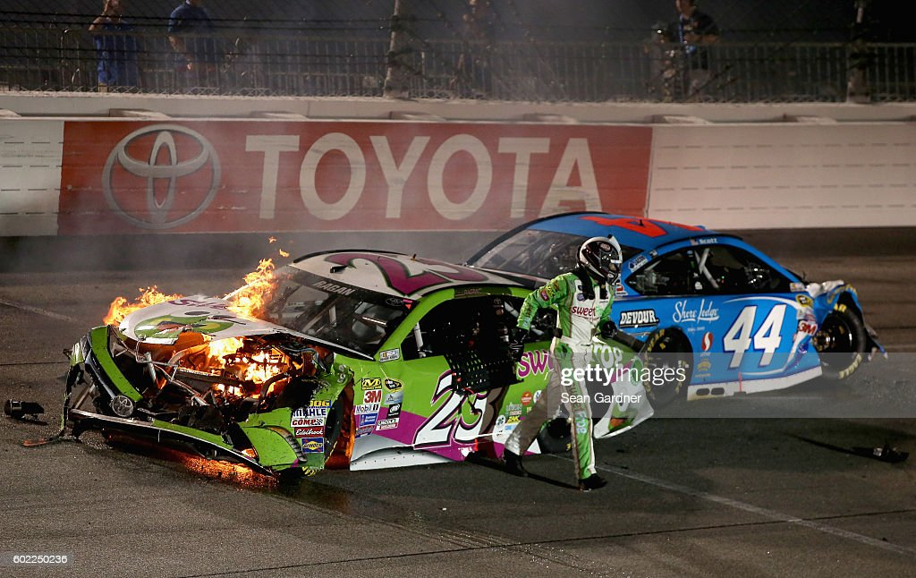 NASCAR Sprint Cup Series Federated Auto Parts 400 : News Photo
