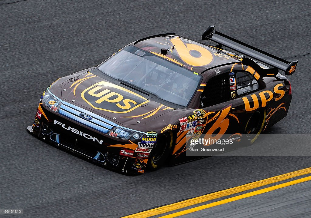 Daytona 500 Practice : News Photo