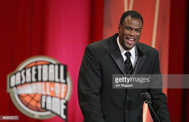 David Robinson is inducted into the Naismith Memorial Basketball Hall of Fame on September 11 2009 in Springfield Massachusetts NOTE TO USER User...