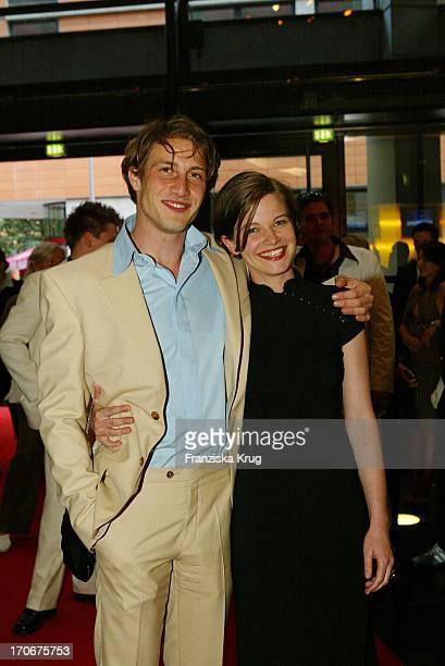 David Rott Und Mira Bartuschek Bei Der Ganz Und Gar Premiere In Berlin Im Cinemaxx Am Potsdamer Platz