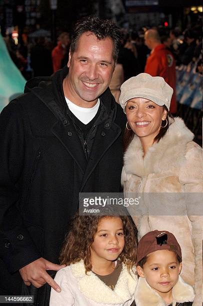 David Seaman wth wife Debbie Seaman and kids attending the UK premiere of 'Happy Feet' Empire Leicester Square London 26th November 2006Job 17537