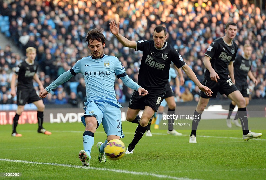 Manchester City v Burnley: Barclays Premier League : News Photo
