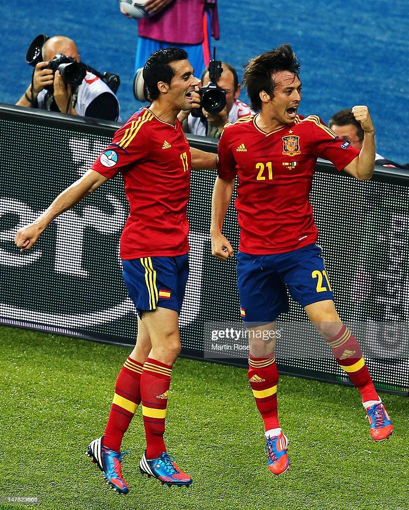Spain v Italy - UEFA EURO 2012 Final : ニュース写真