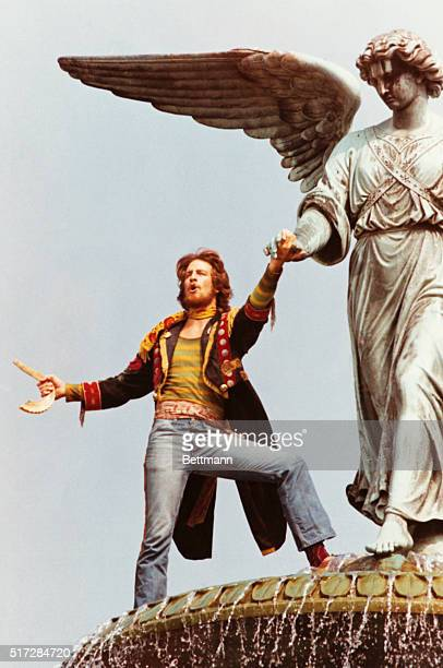 David singing Prepare Ye Way of the Lord from Bethesda Fountain in Central Park Columbia Pictures presents a Lansbury/Duncan/Beruh production...