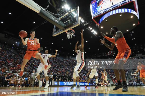 David Skara looks to pass to Elijah Thomas of the Clemson Tigers against the Auburn Tigers in the first half during the second round of the 2018 NCAA...