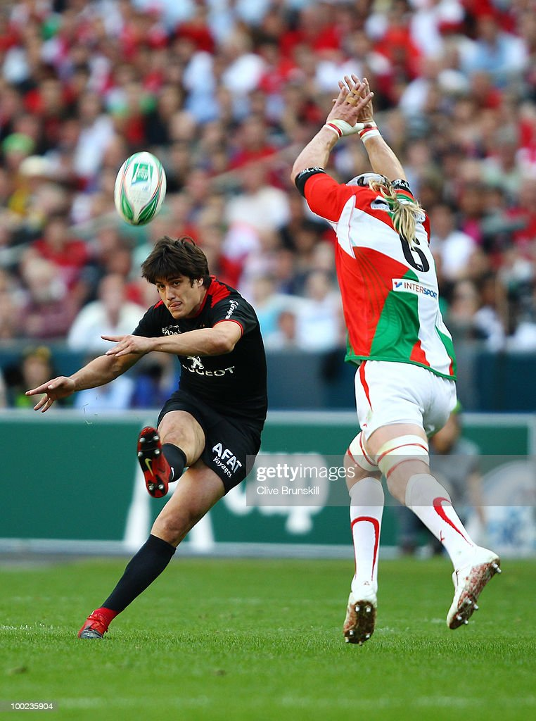David Skrela of Toulouse makes a drop goal during the Heineken Cup Final at Stade France on May 22, 2010 in Paris, France.