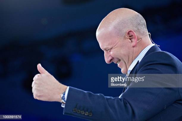David Solomon copresident and cochief operating officer of Goldman Sachs Group Inc gives a thumbsup during a discussion at the Goldman Sachs 10000...