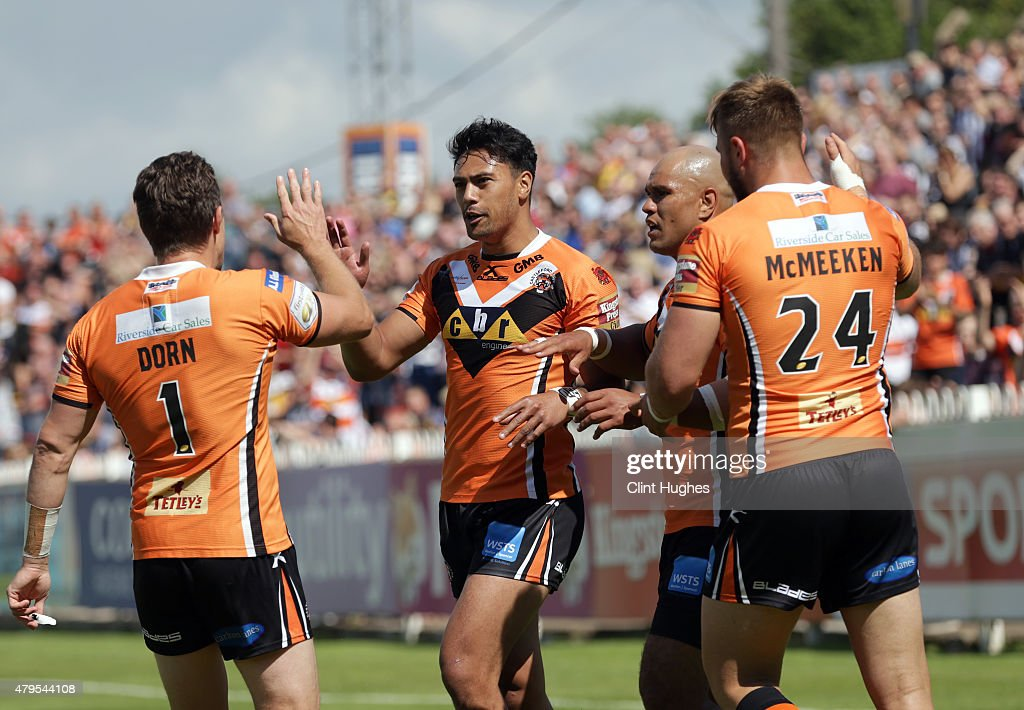 David Solomona (C) of Castleford Tigers celebrates after he scores the first try for his side during the First Utility Super League match between Castleford Tigers and Widnes Vikings at The Jungle on July 5, 2015 in Castleford, England.