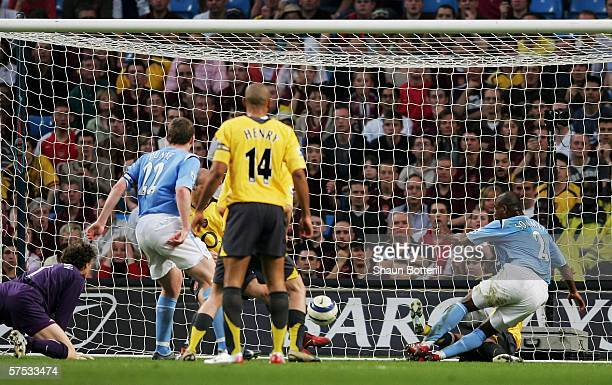 David Sommeil of Manchester City scores the equalizer during the Barclays Premiership match between Manchester City and Arsenal at the City of...